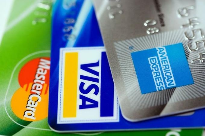 持ち歩くのはクレジットカード
